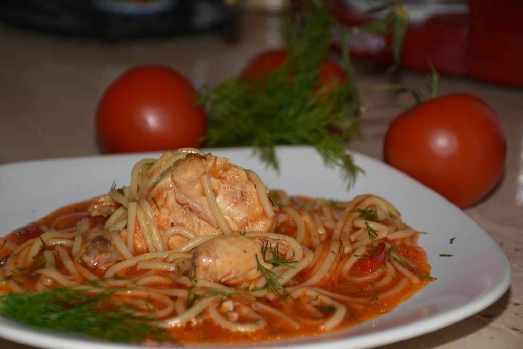 Spaghete cu carne de pui - reteta