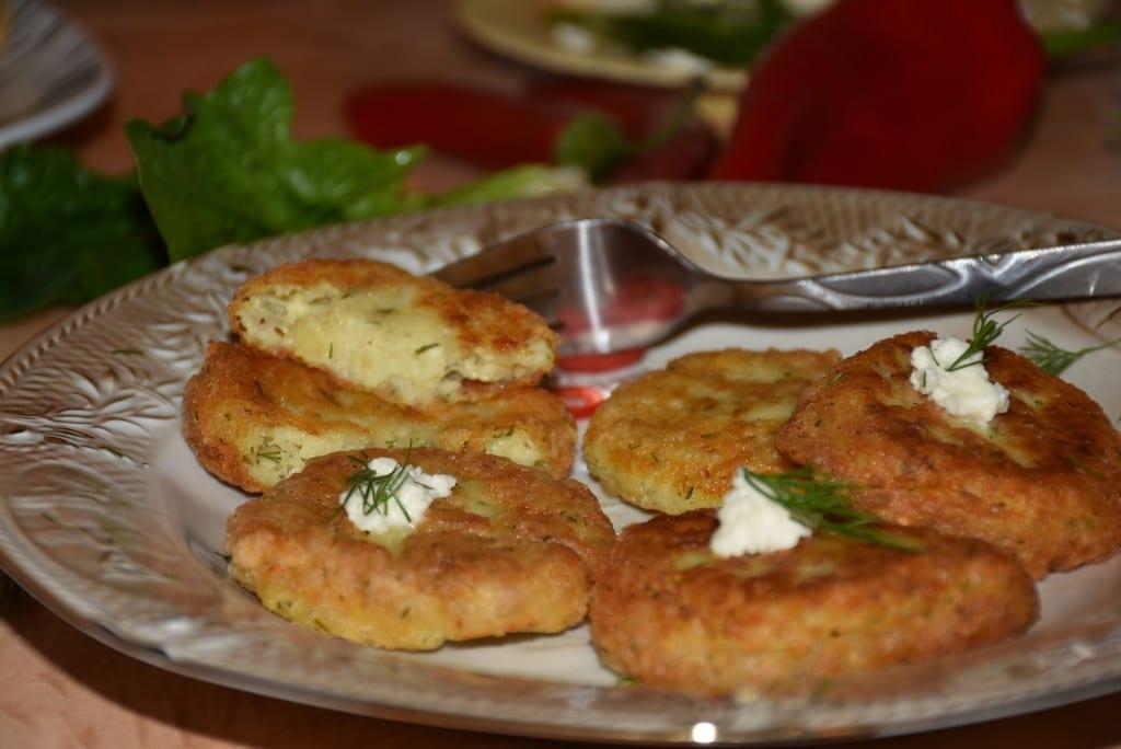 Chiftelute grecesti din cartofi-reteta