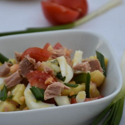 salata de cartofi cu ton-reteta
