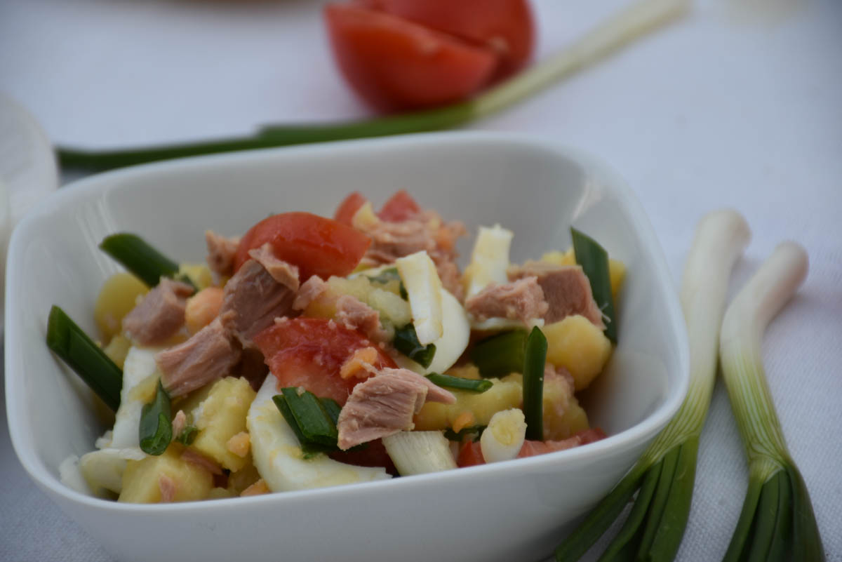 Salata de ton cu cartofi