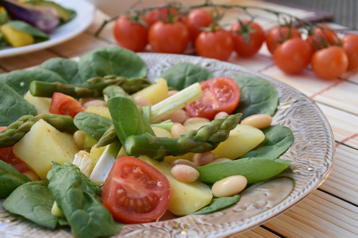Salata de legume cu spanac