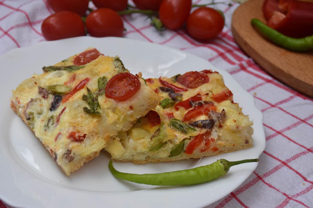 Pizza cu legume si masline