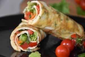 rulou-din-omleta-cu-legume-reteta