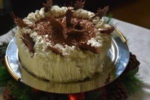 tort-cu-crema-ganache si stelute din ciocolata-reteta