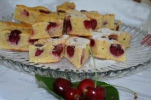 prajitura cu cirese rosii-vezi reteta