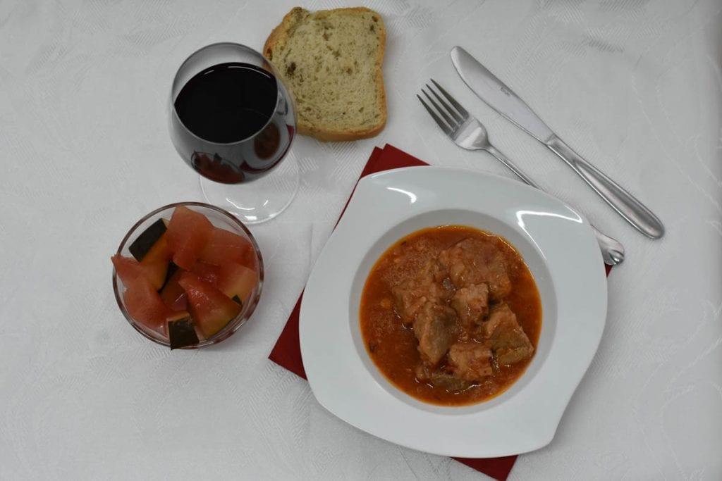ostropel de porc moldovenesc