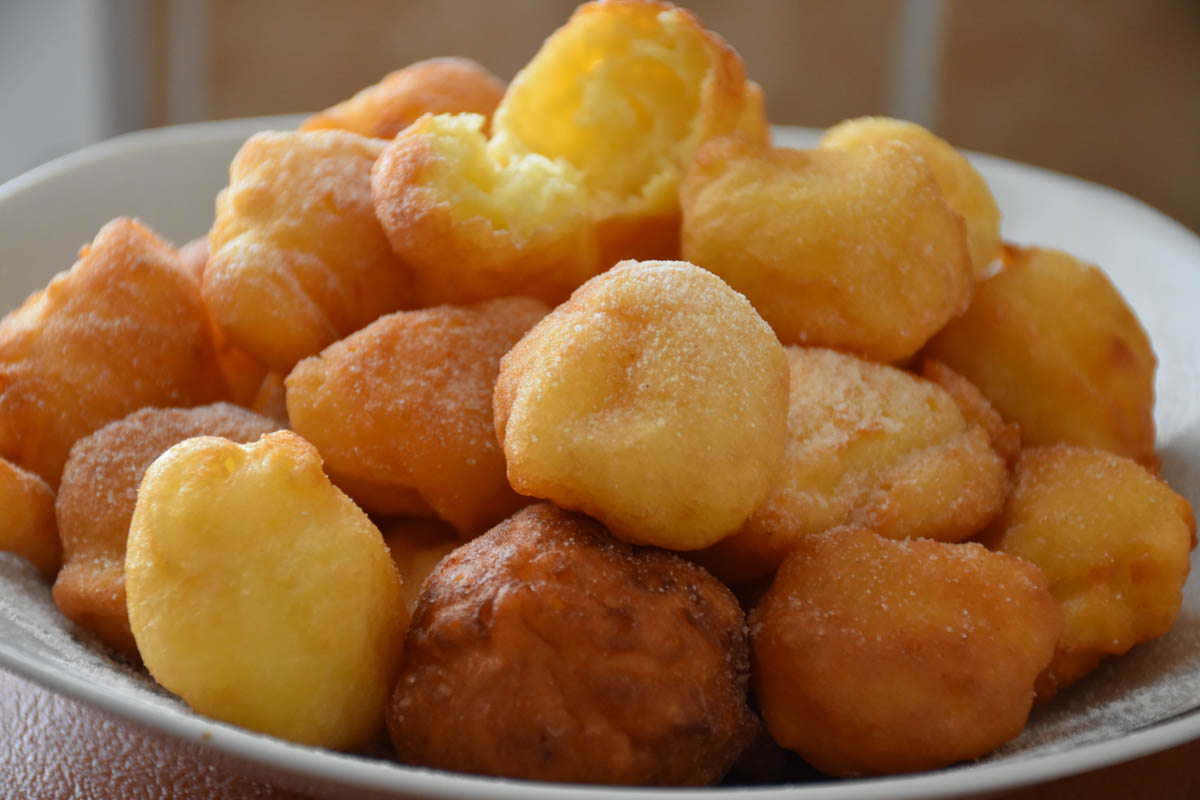 Gogosi pufoase cu iaurt si praf de copt (Gogosi Fara Lapte – Gogosi Fara Drojdie) Reteta