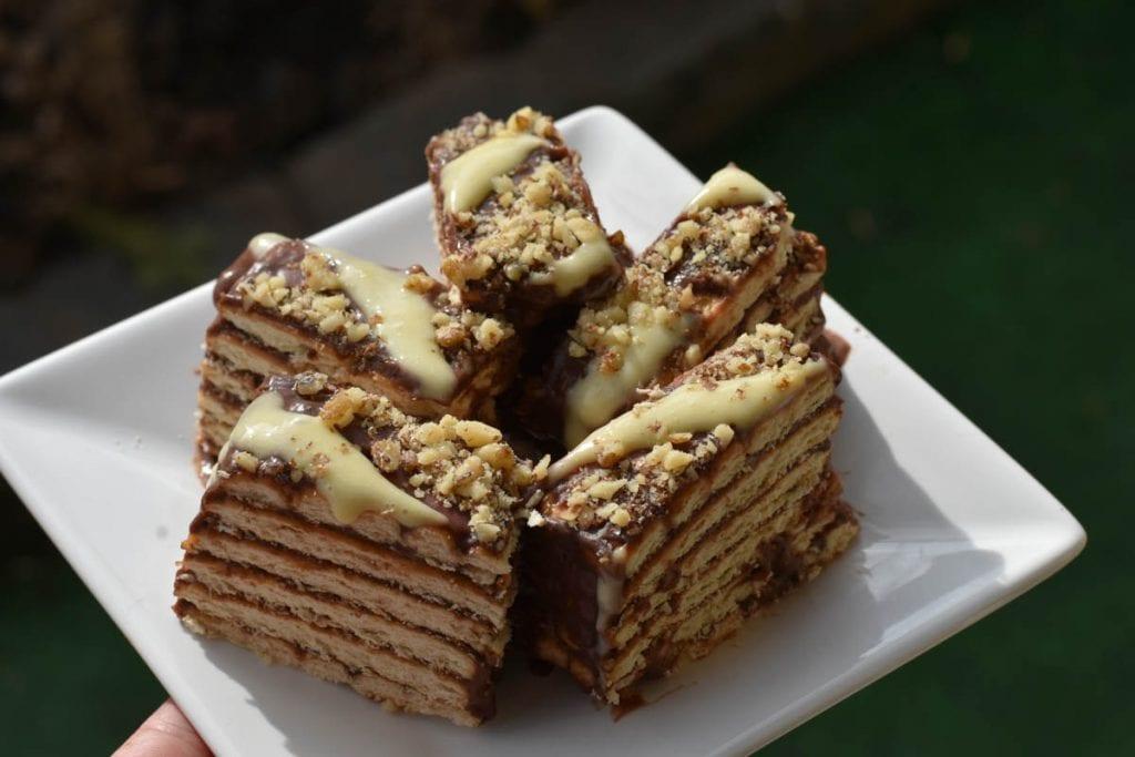 tort din biscuiti-reteta