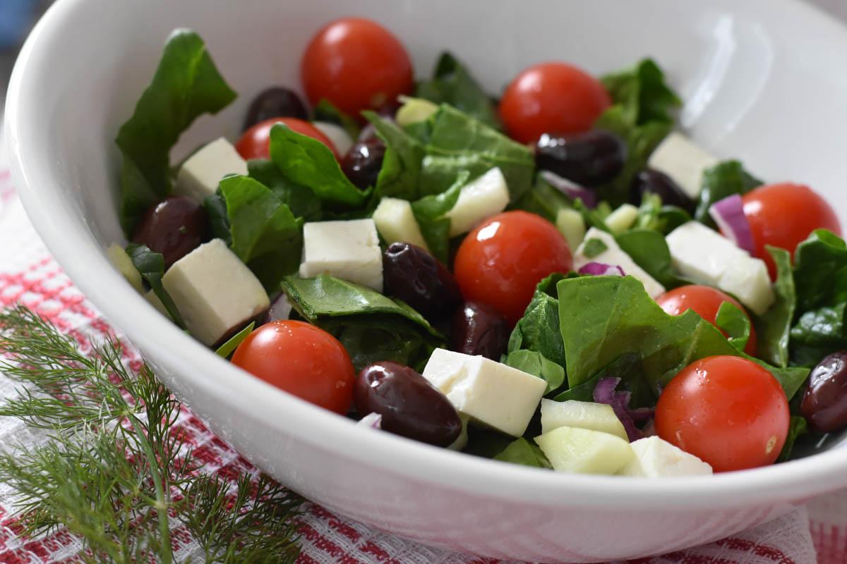 Salata de spanac cu branza si masline