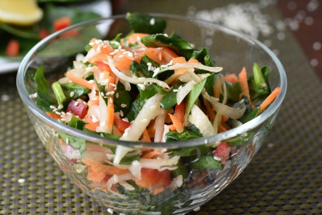 salata cu spanac si cruditati-vezi reteta