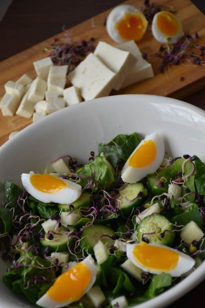 salata de spanac cu oua si germeni-reteta