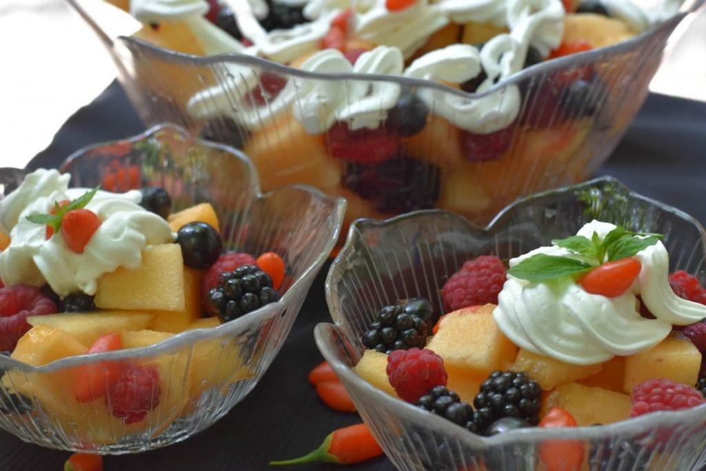 salata de fructe cu pepene galben-vezi reteta