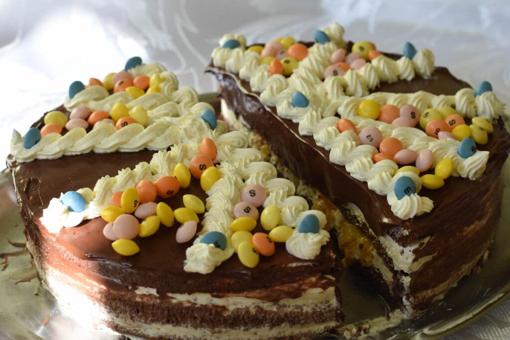 tort glazurat cu bomboane -reteta